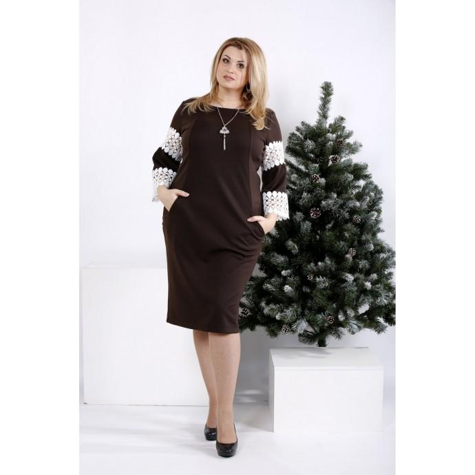 Шоколадное платье с кружевом на рукавах ККК20019-0990-2